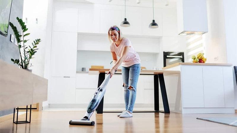 استفاده از بخار برای تمیز کردن کف اتاق
